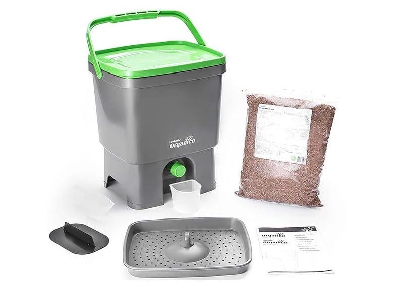 voici le composteur bokashi de la marque Hozelock Pure je vais vous parler de son utilisation et de ses avantages