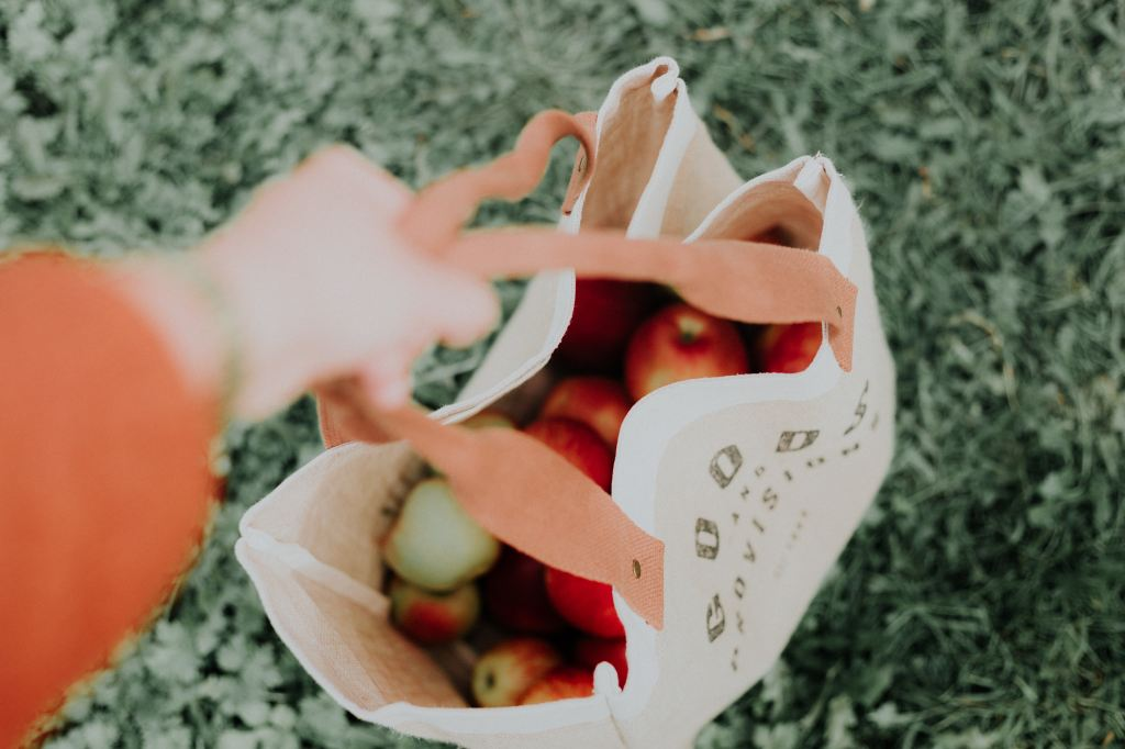 voici comment confectionner son propre kit zero dechet dans la salle de bain la cuisine et pour les courses